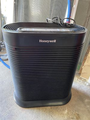 Honeywell HEPA Allergen Remover Air Purifier for Sale in North Providence, RI
