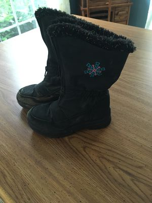Girls Snow Boots Size 11 for Sale in Lovettsville, VA