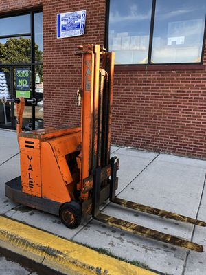 Yale electric pallet jack for Sale in Cicero, IL
