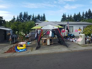 Yard sale for Sale in Federal Way, WA