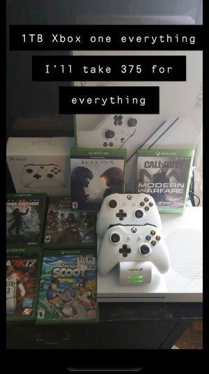 1TB Xbox One 2 remotes for Sale in North Providence, RI