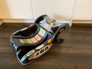 Chicco Keyfit 30 car seat BASE for Sale in Bellevue, WA