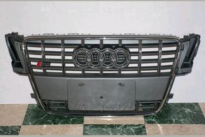 2009 2010 2011 2012 Audi S5 front bumper grill with emblem for Sale in Montclair, CA