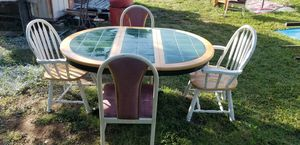 Table and 4 chairs for Sale in Arlington, TX