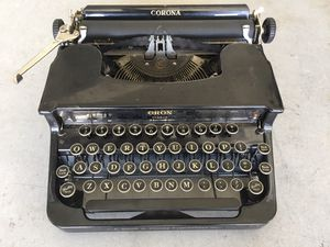 Vintage Corona Typewriter with case for Sale in Santa Rosa, CA