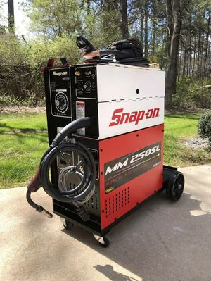 Snap on mig welder 250sl for Sale in Levittown, PA