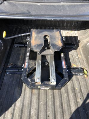 Pullrite Superglide 2700 5th wheel hitch for Sale in Tarpon Springs, FL