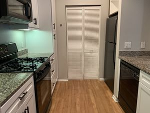 Complete Kitchen Appliance Set (Gas Stove/Oven, Microwave/ Vent, Dishwasher, Refrigerator/ Freezer) for Sale in Irvine, CA