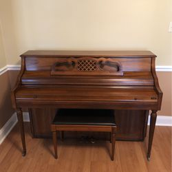 Kimball Console Piano for Sale in Chesterfield,  MO