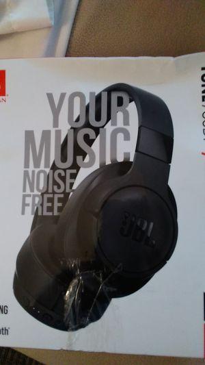 Headphones jbl new in box tune 750BT for Sale in Edgewood, WA