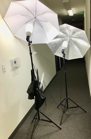 Brand new 2 stands with bulbs 4 umbrellas photo photography studio fluorescent lights height adjustable stand kit for Sale in Los Angeles, CA