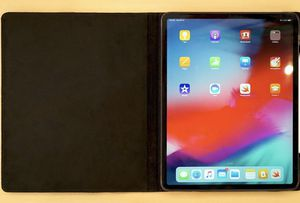 Brand New iPad Pro 12.9 3rd Generation Bundle for Sale in Dallas, TX