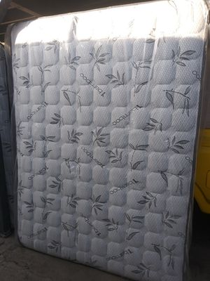 Queen size mattress for Sale in Palmdale, CA