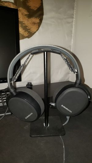 Steel Series Arctic 5 PC Gaming Headset for Sale in Baldwin Park, CA