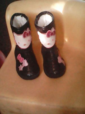 Hello kitty black glittery Sanrio boots size 5 toddlers . for Sale in Fresno, CA