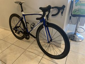 Trek Madone Road bike for Sale in Hialeah Gardens, FL