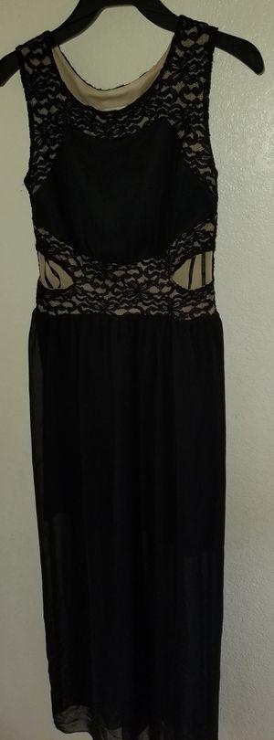Vestido negro con encaje para fiesta size Small for Sale in Glendale, AZ