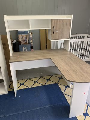 L-shaped computer Desk for Sale in Forest City, NC