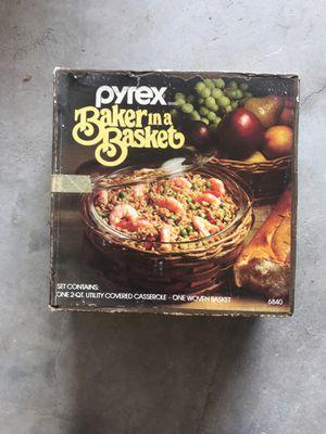 Pyrex baker in a basket for Sale in Pompano Beach, FL