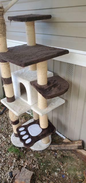 Cat tower for Sale in Livingston, LA
