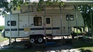 97 wilderness gooseneck r.v for Sale in Port Lavaca, TX