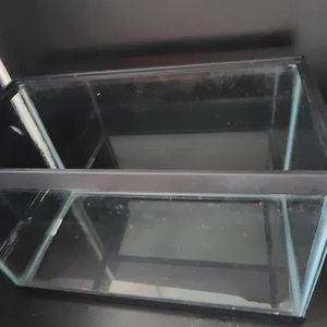 10 Gallon Fish Tank for Sale in Manassas, VA
