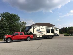 2013 F350 Crew Cab Lariat Ultimate package & 2015 Avalanche 5th wheel for Sale in Lebanon, IN
