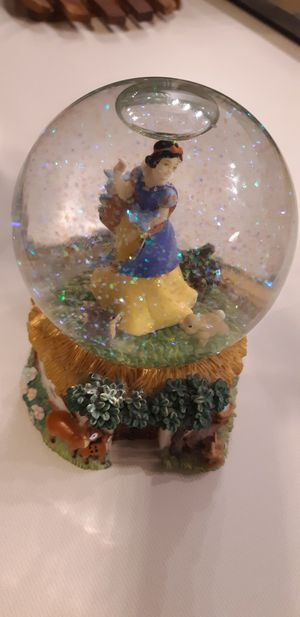 Disney Snow White Musical Snow globe for Sale in Spicewood, TX