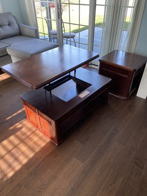 Coffee Table with Lift top + end table for Sale in Lexington, KY
