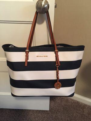 Michael Kors Handbag for Sale in Mesquite, TX
