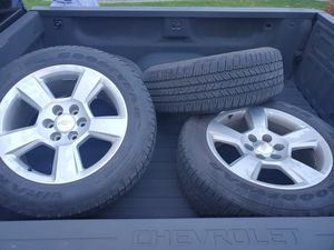 Chevrolet 6 lug 275/55/20 Rims/Tires EXCELLENT CONDITION for Sale in Tacoma, WA
