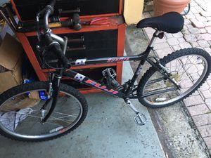 Fuji mountain bike for Sale in Hollywood, FL