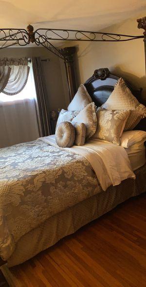 Bedroom set for Sale in Buffalo, NY