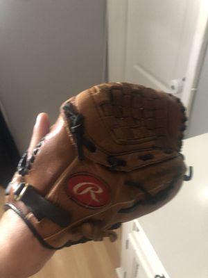 Leather baseball glove for Sale in Mesa, AZ