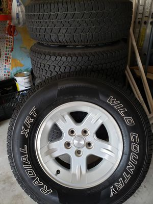 Jeep 5 bolt (4.5 bolt pattern) Wheels and tires set for Sale in Charlotte, NC