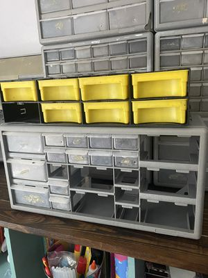 Plastic storage bins for Sale in Miami, FL