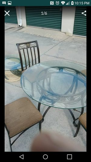 Iron Dining room table plus 4 chairs for Sale in Decatur, GA