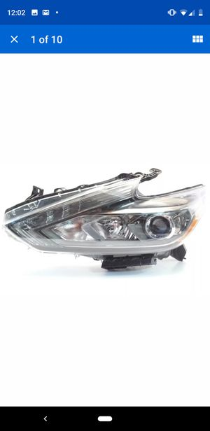 2018 Nissan Altima headlight left front driver lamp genuine OEM 26060-9HS3B for Sale in Hampstead, NC
