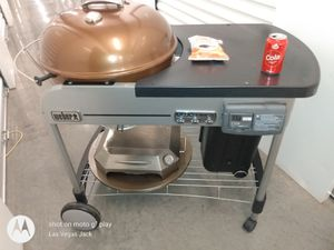 Weber performer BBQ grill in table with only fire Pizza maker for Sale in Mesa, AZ