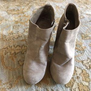 Ybs tan women's boot 8.5 for Sale in Kansas City, KS
