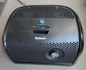 Holmes 3 speed air purifier for Sale in Houston, TX