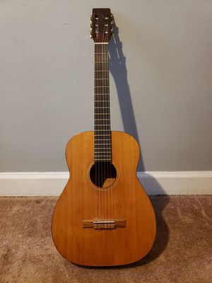 Guitar with case for Sale in Detroit, MI