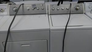 """Whirlpool """"washer & dryer set"""" (white & grey) for Sale in Cleveland, OH"""