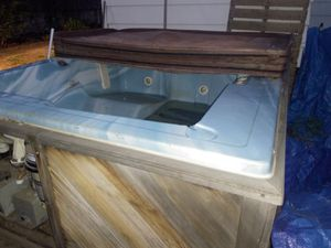 Morgan 2 person hot tub used to work has not been hooked for a few years. Free for Sale in Englewood, CO