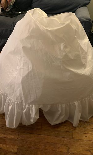 Women's petticoat skirt for under dresss for Sale in Bonita, CA