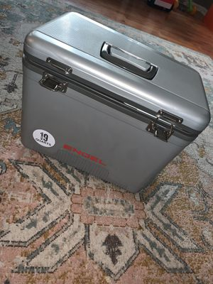 Brand New 19 quartz Engel leak proof Air tight Cooler/ Dry box for Sale in Chicago Heights, IL