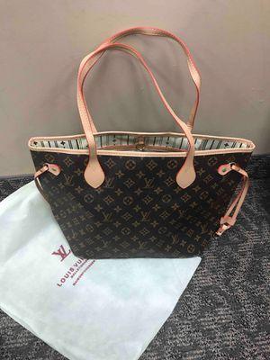 Louis vuitton handbag for Sale in Pleasant Hill, CA