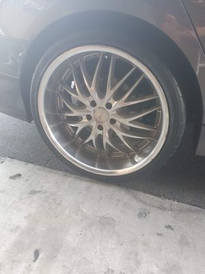 $700 obo 20x8.5 front 20x10.5 rear mrr gt1 staggered rims for Sale in Los Angeles, CA
