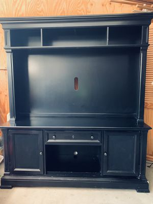 2 piece entertainment center TV stand and hutch set, paid $1500. Pick up ONLY for Sale in Irvine, CA