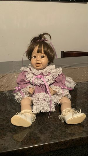 Antique Porcelain doll collection good condition for Sale in Huntington Beach, CA